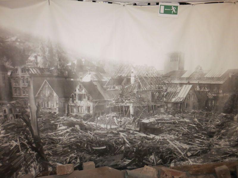 Das bombardierte Feuerbach