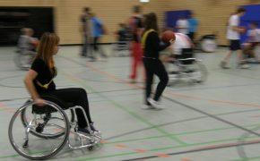 Sportunterricht an der it-Schule – Rollstuhlbasketball als Inklusions-Medium im Schulsport